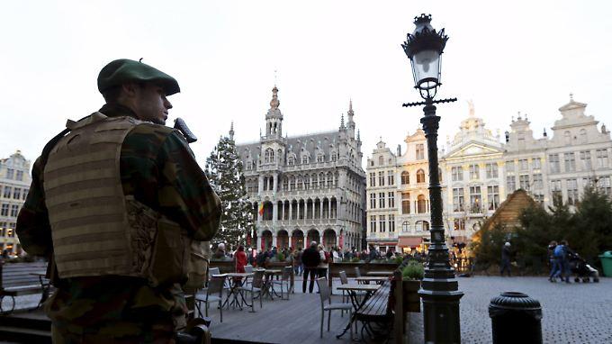 Deutschland ohne konkrete Gefahr: Brüssel sagt aus Angst vor Terror Silvesterfeuerwerk ab
