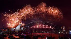 Enttäuschung in Brüssel: Die Welt startet farbenfroh ins neue Jahr