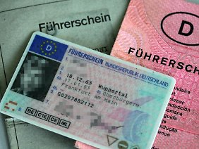 Den Führerschein abgeben: Können zwei Fahrverbote zusammengelegt werden?