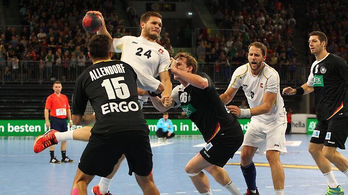 Linksaußen sieht es schlecht aus bei der Nationalmannschaft. Nun fällt auch noch Michael Allendorf aus.