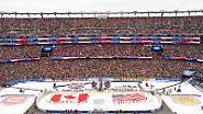 Eine reguläre Ligapartie - in einem Stadion statt in einer Halle.