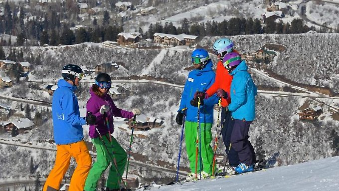 Aspen und Vail kennt in Colorado jeder Wintersportler.