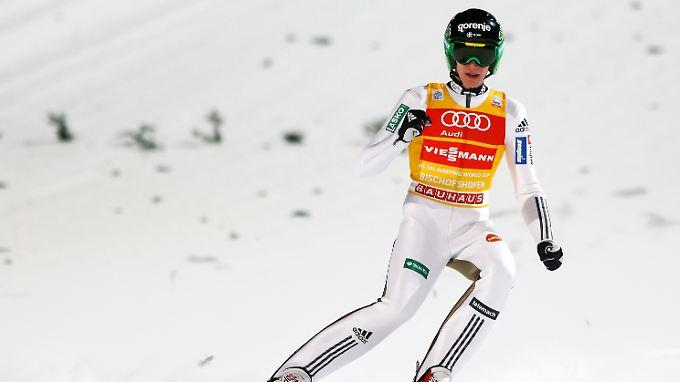 Vier Springen, drei Siege: Peter Prevc gewinnt die Vierschanzentournee 2015/16.