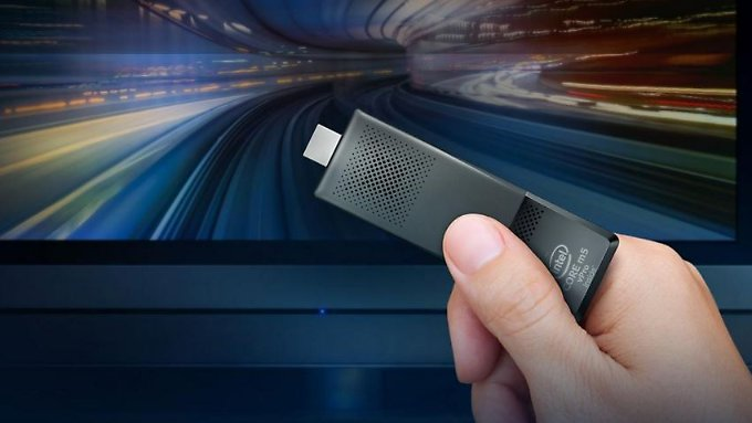 Der Compute Stick von Intel macht jeden HDMI-Monitor zum Windows-PC.