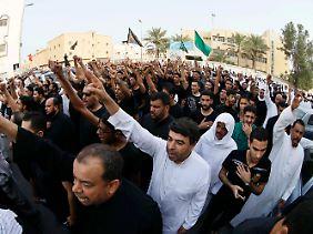 Demonstrierende Schiiten in der Region Al-Katif.