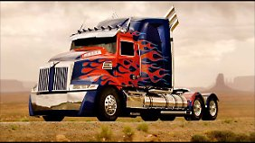 Optimus Prime auf der Basis des Peterbilt 5700.