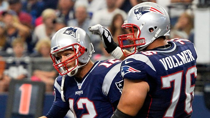 Sebastian Vollmer mit seinem Quarterback Tom Brady: Die Beiden wollen ihren Vorjahrestriumph wiederholen.
