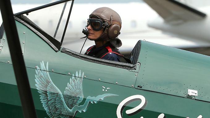 Tracey Curtis-Taylor wandelt auf den Spuren der britischen Flugpionierin Amy Johnson, die 1930 als erste Frau alleine von Großbritannien nach Australien flog.