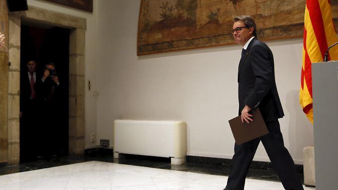 Artur Mas tritt ab: An seine Stelle tritt Carles Puigdemont, bisher Bürgermeister von Gerona.