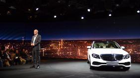 Daimler-Chef Zetsche ist davon überzeugt, dass die Intelligenz der neuen E-Klasse nur ein erster Schritt sein kann.