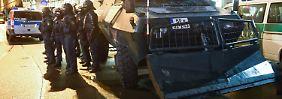 Polizei m Großeinsatz: Protest gegen Legida - Krawall in Connewitz