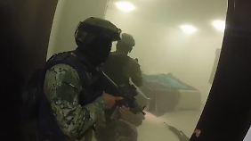 """Rauchbomben, Schüsse, Schreie: Mexiko veröffentlicht Video der """"El Chapo""""-Festnahme"""
