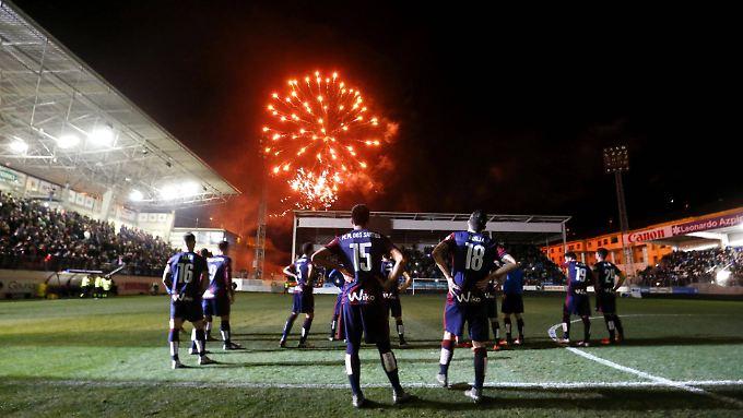 Zum 75-jährigen Vereinsjubiläum am 30. Dezember 2015 gab's ein Feuerwerk im winzigen Ipurua-Stadion.