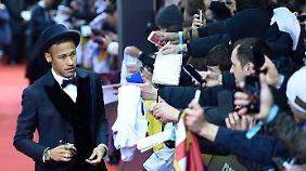 Bei seinem Gerichtstermin dürfte Neymar ähnlich viel Aufmerksamkeit zuteil werden wie am Montag bei der Weltfußballer-Gala in Zürich.