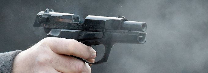 Für eine Schreckschusspistole braucht man einen Kleinen Waffenschein.