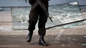 Mindestens sieben Tote: Sechs Bomben explodieren in Jakarta