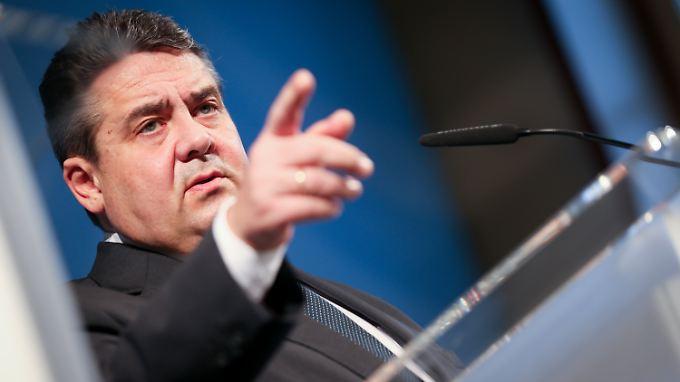 Gabriel behauptet, im sei die Transparenz bei den Verhandlungen von Anfang an wichtig gewesen.