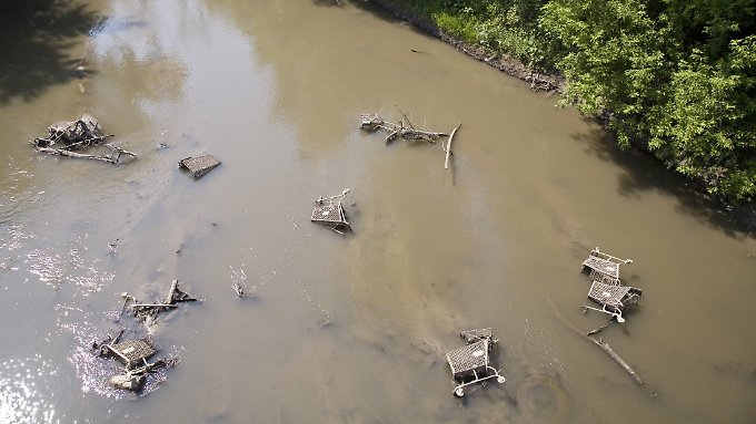 Stark verschmutzt: der Flint River.