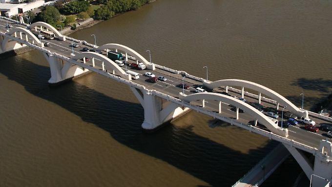 Von dieser Brücke soll der Vermisste  gesprungen sein.