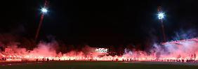 Im Oktober 2014 nehmen die Erfurter Fans nach dem Spiel gegen den FC Groningen Abschied vom alten Steigerwaldstadion.