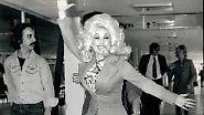 Für die Musik der Region ist sie das auch: Dolly Parton ist die erfolgreichste Countrysängerin der Welt - mit 70 Jahren.