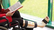 Tenhagens Tipps: Wer zahlt bei langer Krankheit?