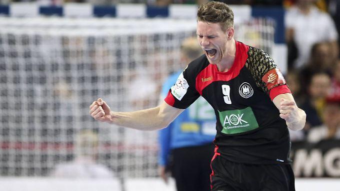 Die deutschen Handballer um Thorsten Reichmann kommen bei der EM ins Rollen.