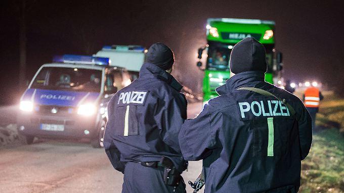 Dauereinsatz an der Grenze: Eine unbefristete Verlängerung der Grenzkontrollen hält man bei der Polizeigewerkschaft - ohne zusätzliche Kräfte - schlichtweg für unmöglich.