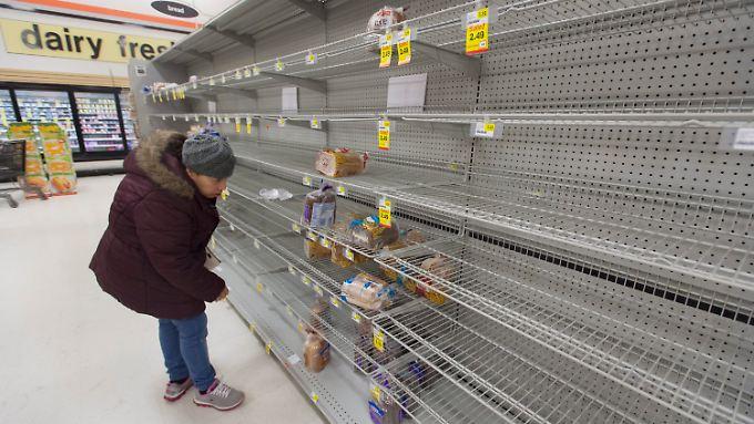 Notstand in mehreren Bundesstaaten: US-Küste bereitet sich auf schwersten Blizzard seit fast 100 Jahren vor