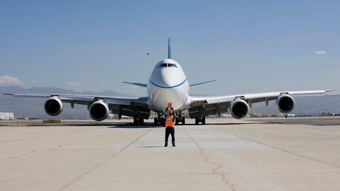 Im Flugzeugbau kein leichtes Unterfangen: Wer die Produktion halbieren will, muss mit massiven Mehrkosten rechnen.