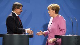 Zukunft hängt an Flüchtlingsfrage: Merkel braucht die Türkei fast um jeden Preis