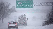 Schneemassen über Schneemassen: Wintersturm legt US-Ostküste lahm