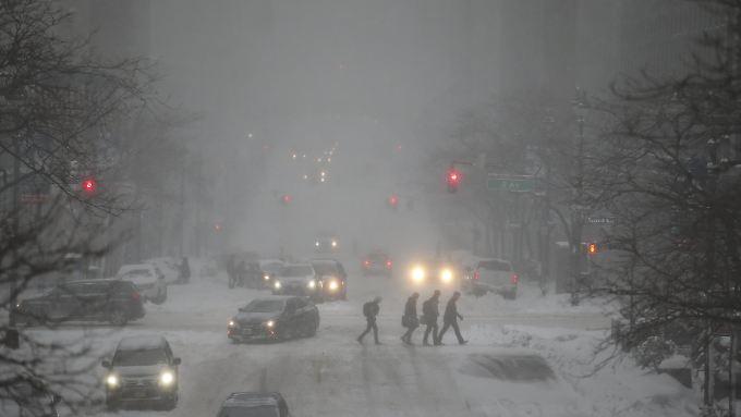 Der angekündigte Wintersturm bringt jede Menge Schnee, wie hier in Manhattan/New York.