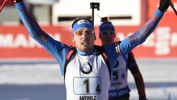 Anton Schipulin spurtete vor Simon Schempp auf Platz eins.