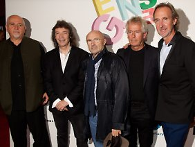 Peter Gabriel, Steve Hackett, Phil Collins, Tony Banks und Mike Rutherford 2014 (v.l.)