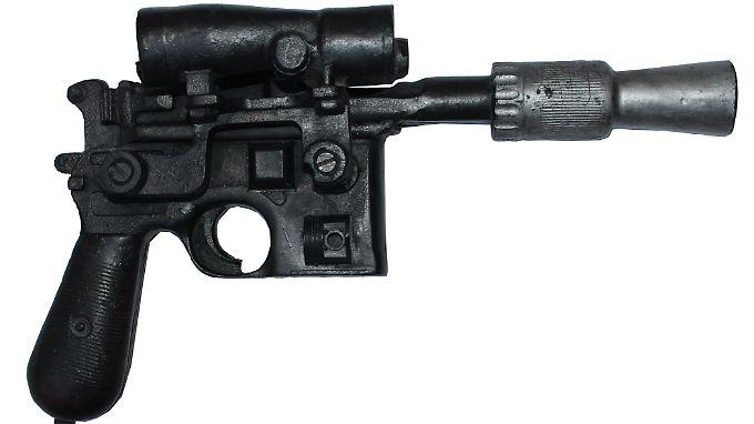 """Der DL-44 Blaster aus """"Star Wars"""" wird versteigert, er ist einer deutschen Waffe nachempfunden."""