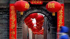 Chinesen feiern Neujahrsfest: Der Feuer-Affe besteigt den Thron