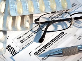 Tabletten oder Brille - Gesundheitsausgaben über dem jeweiligen Eigenbeitrag können unter dem Punkt «Außergewöhnliche Belastungen» geltend gemacht werden.