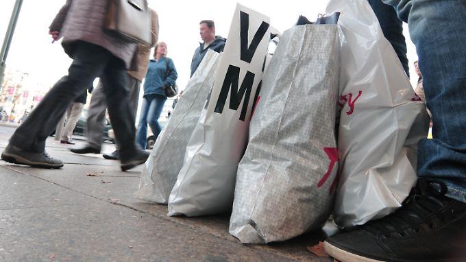 Die Deutschen sind in Shoppinglaune - Flüchtlingskrise und Terrorgefahr zum Trotz.