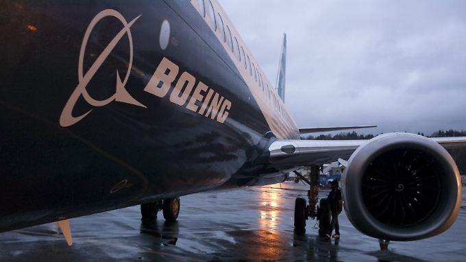 """Der Strategiewechsel bei der 747-8 geht ordentlich ins Geld: Besser läuft es für Boeing mit Modellen wie etwa der neuen 737 """"MAX"""", hier auf dem Rollfeld in Renton im US-Bundesstaat Washington,"""