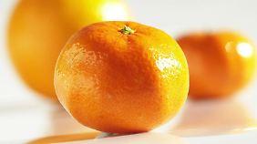 Unversehrt tut eine Mandarine keinem etwas. Aber zermatscht auf dem Boden kann sie gefährlich werden.