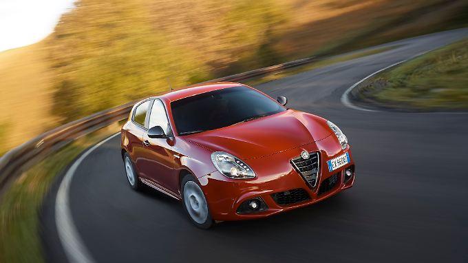 Muss ein Alfa Romeo rot sein? Die Mehrheit der weiblichen Halter würde Ja sagen.