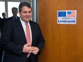 Vom Gegner zum Befürworter: Bundeswirtschaftsminister Sigmar Gabriel (SPD). Der neue Leseraum for TTIP-Dokumente befindet sich in seinem Ressort.