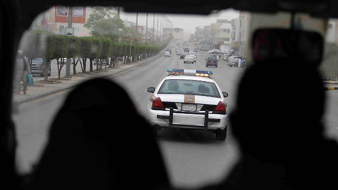 Saudische Polizisten auf Patrouille in der Hauptstadt Riad.