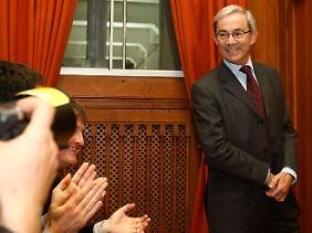 Pflichttermin für Nobelpreisträger: Christopher Pissarides freut sich an der London School of Economics über den Applaus für seine Arbeit.