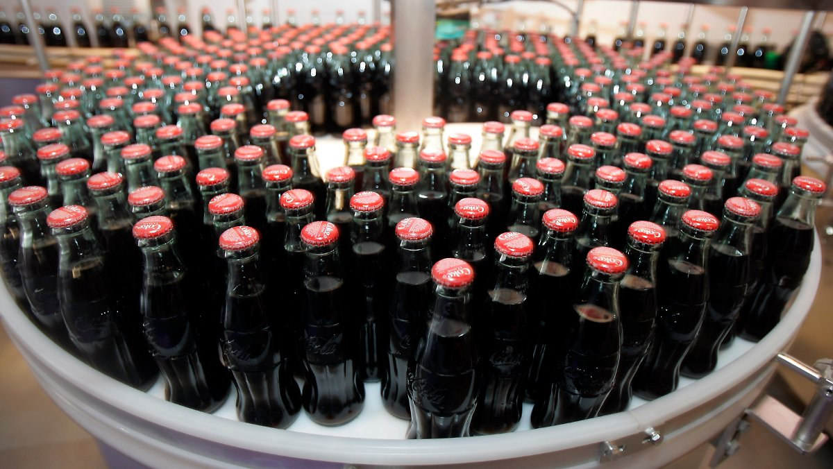 mangelwaren zucker und wasser coca cola stoppt produktion in venezuela n. Black Bedroom Furniture Sets. Home Design Ideas