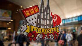 Köln rüstet sich für Karneval: Wie lassen sich mögliche Übergriffe verhindern?