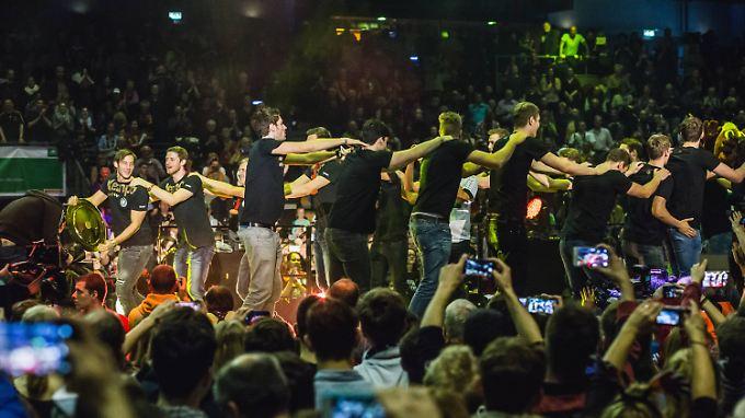 Nach der EM ist vor der Party: Deutsche Handball-Helden rocken Berlin