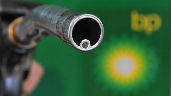 Auswirkungen des Ölpreis-Verfalls: Nigeria bittet um Notkredit, BP droht mit Stellenabbau