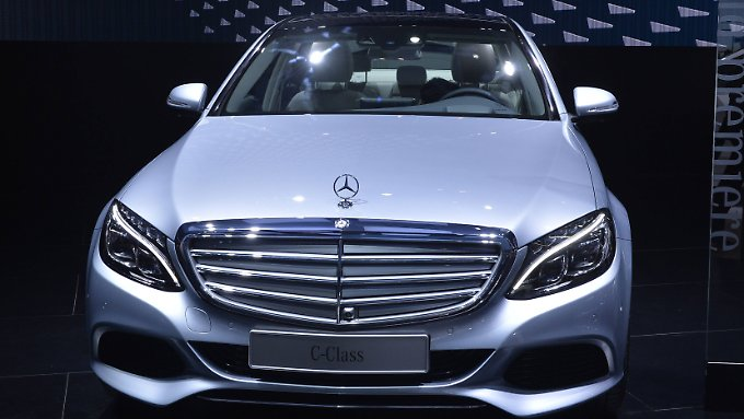 Dass die Testergebnisse nicht viel mit der Praxis zu tun haben, bestreitet Daimler nicht.